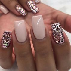 Image uploaded by Nagy Alexandra. Find images and videos about fashion, nails an… Image uploaded by Nagy Alexandra. Find images and videos about fashion, nails and glitter on We Heart It – the app to get lost in what you love. Fall Gel Nails, Short Gel Nails, Winter Nails, Simple Fall Nails, Glitter Gel Nails, Rose Gold Nails, Pink Nails, White Nails With Gold, Cute Nails