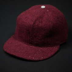 이미지 출처 http://cdn.shopify.com/s/files/1/0219/5338/products/Ebbets_FaribaultHat_Red3.jpg?v=1409347476