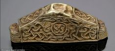 The experts also discovered that the vast majority of the Hoard would have been owned or used by soldiers, showing that it was not just kings who went into battle with their weaponry and armour decorated with gold and intricate jewellery Anglo Saxon History, British History, Viking Jewelry, Ancient Jewelry, Kingdom Of Northumbria, Vikings, Sutton Hoo, Golden Warriors, Warrior Helmet