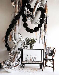 Balloon Installation, Balloon Backdrop, Balloon Garland, Balloon Columns, Hanging Balloons, Deco Floral, Foil Balloons, Black Balloons, Diy Party