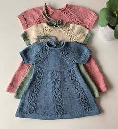 Peplum, Wool, Knitting, Baby Dresses, Sweaters, Instagram, Fashion, Bedroom Cabinets, Girls Dresses