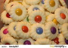 Marcipánky recept - TopRecepty.cz Xmas Cookies, Cupcake Cookies, Sugar Cookies, Biscuits Russes, Biscotti Cookies, Sweet Cupcakes, Easter Recipes, Christmas Candy, Finger Foods