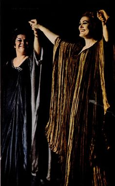 Joan Sutherland and Marilyn Horne receives a torrential applause - Cleveland Coloratura Soprano, Joan Sutherland, Opera Singers, Classical Music, Marilyn Monroe, Cleveland, Musicals, Legends, Singing
