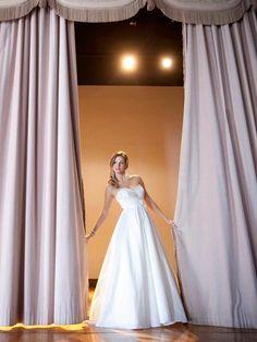 Sweetheart ball gown taffeta bridal gown