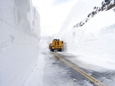 Workers at Rocky Mountain National Park are battling above average snow depths and wintry spring weather in their efforts to open Trail Ridge Road. Plow operators encountered 22 feet of snow east o… Grand Lake Colorado, Colorado Trail, Colorado Snow, Rocky Mountains, Ecuador, Severe Storms, Ridge Road, Grey Skies, Rocky Mountain National Park