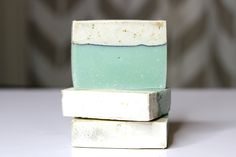 This beautiful soap is super simple to make and uses an easy layering technique. SAFETY WARNING! If you've never made soap before, be sure to start with our basic soap making guide. This recipe and…