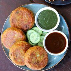 Aloo Tikki Recipe, Chaat Recipe, Cooking Recipes In Urdu, Veg Recipes, Pakora Recipes, Snacks Recipes, Curry Recipes, Vegetarian Recipes, Aaloo Recipe