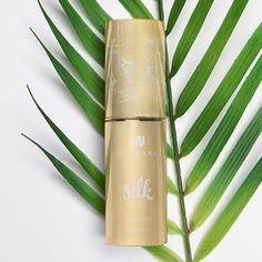 Morinda TeMana Silk AA Serum helps to get silky skin! Beauty Care, Beauty Skin, Health And Beauty, Noni Fruit Juice, Serum, Tahitian Noni, Natural Glow, Hibiscus, Lotion