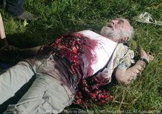 The Walking Dead Season 2 Episode 11 - Judge, Jury, Executioner, Dale (Jeffrey DeMunn) Walking Dead Season, Walking Dead Facts, Fear The Walking Dead, Jeffrey Demunn, Talking To The Dead, Dead Inside, Andrew Lincoln, Seasons, Image