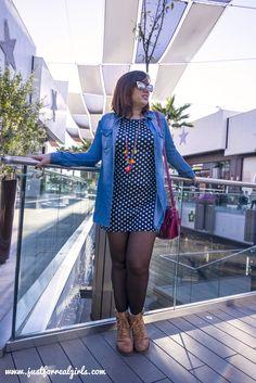 La camisa vaquera es una de las prendas que hoy día no puede faltar en tu armario, está presente desde hace varias temporadas y  es  gracias a su versatilidad; por ello, hoy os dejo algunas opciones de combinación por el blog, ¡entra en http://wp.me/p74Dso-3UU e inspirate! #denimshirt #camisavaquera #tdsmoda #justforrealgirls #fashionblogger #bloggerlife #bloggerssevilla #ootd #outfitoftoday