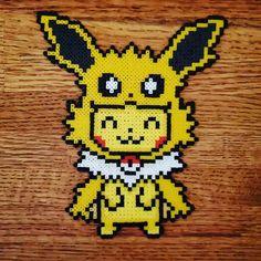 Hama Beads Pokemon, Hama Beads 3d, Perler Bead Art, Fuse Beads, Fuse Bead Patterns, Beading Patterns, Cross Stitch Patterns, Pixel Art, Pokemon Cross Stitch