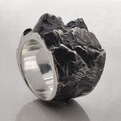 """aliciahannahnaomi: """" A mountainous ELCHO FALLING ring, making it's way to a new home today. Available online on http://www.aliciahannahnaomi.com/ in November or pre-order via email...."""