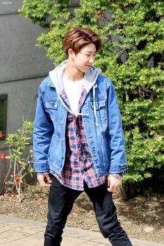 Designer Clothes, Shoes & Bags for Women Seventeen Performance Team, Seventeen Debut, Woozi, Jeonghan, Seventeen Minghao, Hip Hop, Wen Junhui, Pledis 17, Pledis Entertainment
