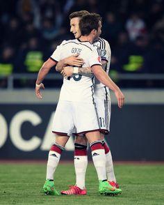 Mercedes-Benz Fußball