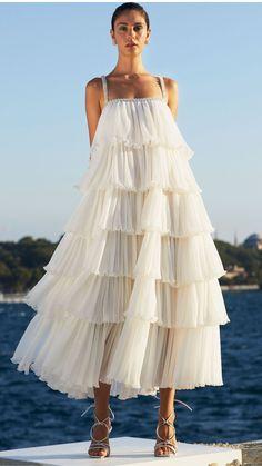 Pretty Dresses, Beautiful Dresses, Mode Bcbg, Dress Skirt, Dress Up, Kleidung Design, Evening Dresses, Summer Dresses, Classy Dress