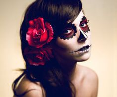 Day of the Dead Makeup / Halloween. This will be my Halloween costume this year! Sugar Skull Costume, Catrina Costume, Maquillaje Sugar Skull, Maquillaje Halloween, Halloween Make Up, Halloween Costumes, Halloween Face Makeup, Halloween Halloween, Costume Makeup