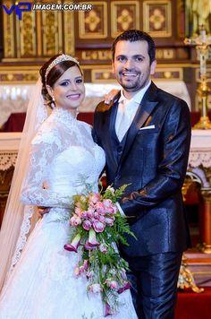 Dafne Agarrallua  #vestidosdenoiva #casamento #wedding #bride #noiva #weddingdress #weddingdresses #bridal