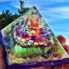 Connecting Earth to Sky energies with this new Aragonite Pyramid