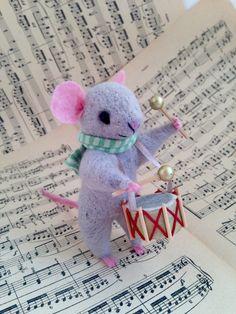 NEEDLE FELT MOUSE Drummer Cute mouse, musician, Needle felt animal, Needle felt…