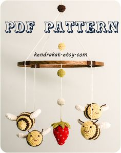 How cute is this! The Bee's Mobile Crochet Pattern via Etsy @Kendra Henseler Henseler Kat.