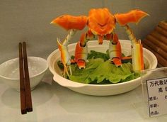 Crab Gundam looks so delicious. Need some butter ammo for it.