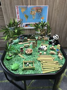 Giant Panda tuff tray