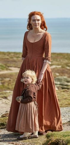 Demelza and Clowance Poldark 18th Century Dress, 18th Century Costume, 18th Century Clothing, 18th Century Fashion, Demelza Poldark, Ross Poldark, Historical Costume, Historical Clothing, Poldark Season 4