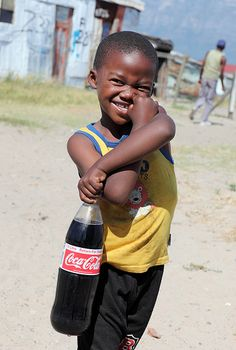 Boy from Cape Town, South Africa Population Du Monde, Bless The Child, Cape Town South Africa, Most Beautiful Cities, Photography Website, African Beauty, People Around The World, Beautiful Children, Girls