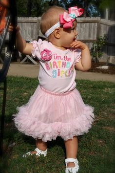 1st birthday party girl - tasteful theme + decorations and love her shirt!!!