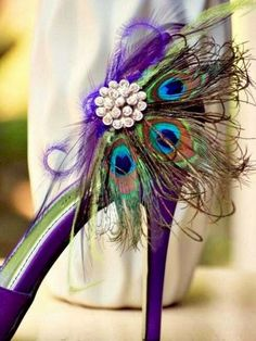 Make Your Wedding Ceremony a Unique One With the Peacock Theme Party - Wedding Shoes. http://simpleweddingstuff.blogspot.com/2015/01/make-your-wedding-ceremony-unique-one.html