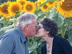 Grieving husband plants 4 miles of sunflowers to honor late wife