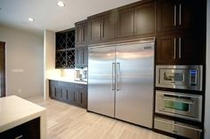 extra large refrigerator large stainless steel refrigerator in contemporary kitchen extra large refrigerator freezer combo with ice maker Big Refrigerator, Big Fridge, Stainless Steel Refrigerator, Large Fridge, Refrigerator Organization, Big Kitchen, Stylish Kitchen, Kitchen Design, Kitchen Decor
