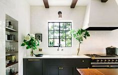 {Kitchen Dreaming} While doing our new bathroom I'm also thinking of a new kitchen. A girl can dream...