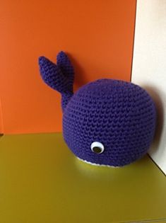 Blue Round Whale ( Free Amigurumi Pattern) PDF Version http://www.ravelry.com/patterns/library/blue-round-whale