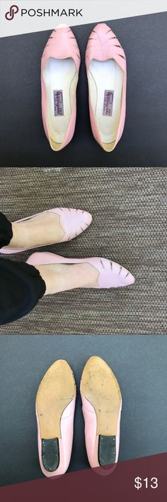 VINTAGE, PINK FLATS VINTAGE FLATS: Pink leather flats, slight lift. Vintage condition. Scuffs and leather wear seen in photos above. Brand unknown. Women's size 7 (little tight). Made in Spain 🇪🇸 Vintage Shoes Flats & Loafers
