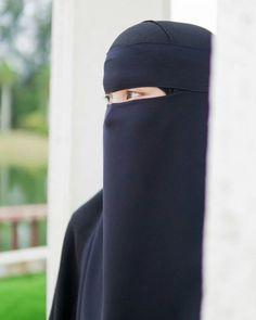 For order just dm Hijab Dp, Hijab Niqab, Muslim Hijab, Mode Hijab, Hijab Pins, Arab Girls Hijab, Muslim Girls, Beautiful Muslim Women, Beautiful Hijab