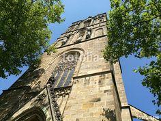 Portalfassade der katholischen Herz-Jesu-Kirche im Bistum Münster in Westfalen im Münsterland