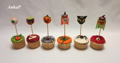 Halloween pops and cupcakes