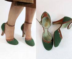 40s Ankle Strap Shoes Size 5.5 / 1940s Vintage Cutout Pumps /