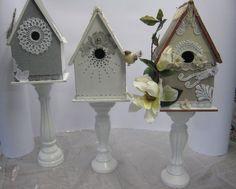 Deco vogelhuisjes zelf gemaakte huisjes op kaarsen standaard.