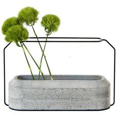 Spécimen Editions Weight Vase - Model A : W 37 cm x H 22 cm (4.930 CZK) found on Polyvore