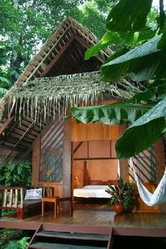 Tree house architecture costa rica ideas for 2019 Hut House, Tree House Resort, Casa Hotel, Bamboo House Design, Jungle House, Koh Chang, Beach Shack, Tropical Houses, Tropical Garden