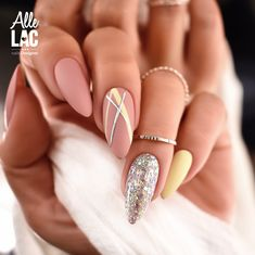 Almond Gel Nails, Almond Nail Art, Nail Ring, Fire Nails, Glitter Nail Art, Manicure And Pedicure, Pretty Nails, Hair And Nails, Nail Ideas