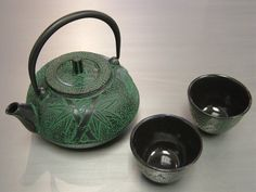 Green Bamboo pattern Japanese Cast iron Teapot and Cup Set $49.95
