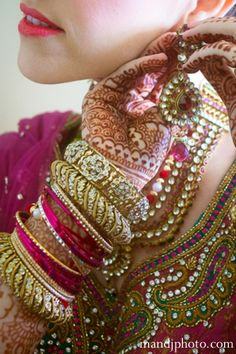indian wedding bridal bangles henna http://maharaniweddings.com/gallery/photo/5059