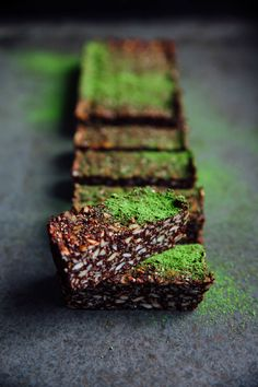 MATCHA CHOCOLATE BARS http://inthemakingbybelen.com/sweet-treats/2017/9/5/ow5no4the8bnbzxen9xcyapmzjf8i0