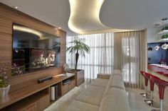 Reforma Casa Ipiranga: Salas multimídia modernas por Designer de Interiores e Paisagista Iara Kílaris