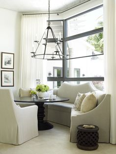 Breakfast room with custom #settee #beams #styling Kate Jackson Design and Pursley Dixon Architecture