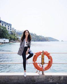 มาทุกปี ไม่รู้มาทำไม 😂 #buasriseetheworld Best Photo Poses, Girl Photo Poses, Fashion Poses, Girl Fashion, Fashion Outfits, Kpop Outfits, Korean Outfits, Cool Poses, Portrait Photography Poses