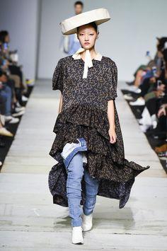 SFW : Seoul Fashion Week YCH SS19 Korean Brands, Vogue Russia, New Trends, Fashion Show, Seoul Fashion, Catwalk, Ready To Wear, Shirt Dress, Couture